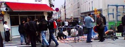 Betende Moslems in Paris