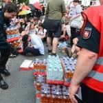 Linke haben in Bad Nenndorf eine Versammlung gesprengt - und wurden von der Polizei mit Erfrischungsgetränken belohnt.