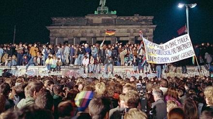 """9. November 1989, 22:30 Uhr – """"Ich stelle die Kontrollen ein und ..."""