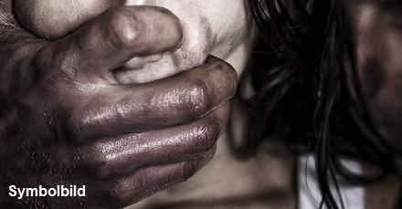 girl wird vergewaltigt