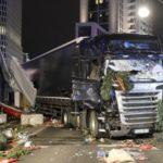 Schlachtfeld am Berliner Breitscheidplatz nachdem der islamische Mörder Anis Amri mit einem LKW elf Menschen ermordete und rund 70 zum Teil schwer verletzte.