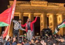 Islamische Hass-Demonstration gegen Israel und die USA am Brandenburger Tor.