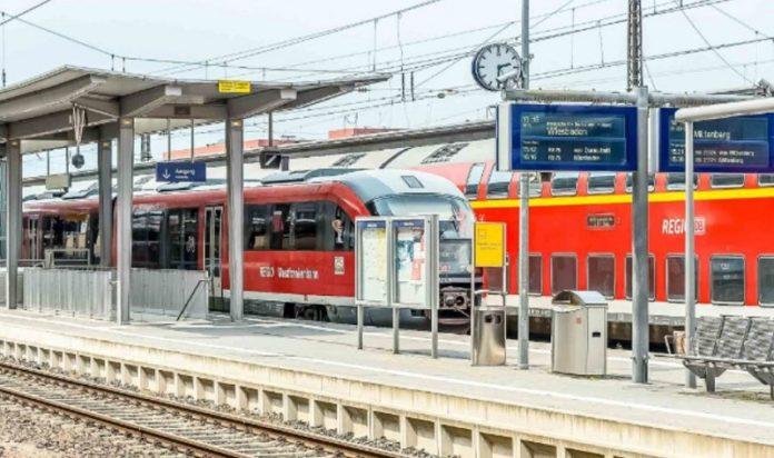 Bahnhof Aschaffenburg - stille Hilfe durch einen