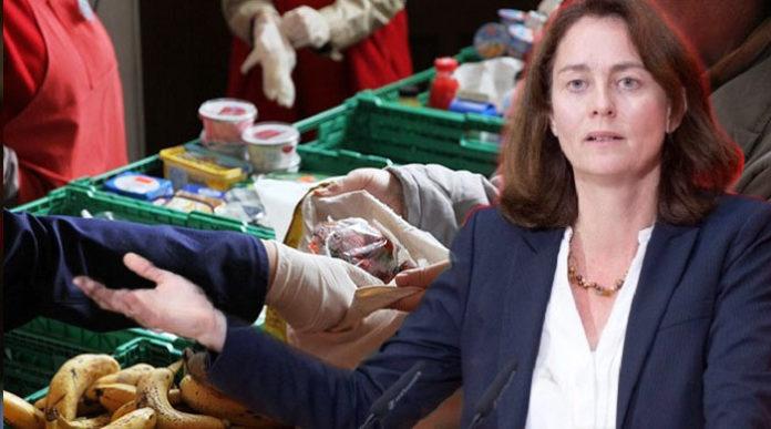 """Katarina Barley (SPD) kritisierte die Entscheidung der Tafel scharf: """"Eine Gruppe pauschal auszuschließen, paßt nicht zu den Grundwerten einer solidarischen Gemeinschaft. Bedürftigkeit muß das Maß sein, nicht der Pass."""""""