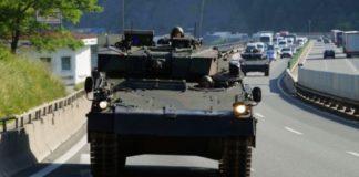 Spielzeug Nachdenklich Panzer Um Jeden Preis Militär