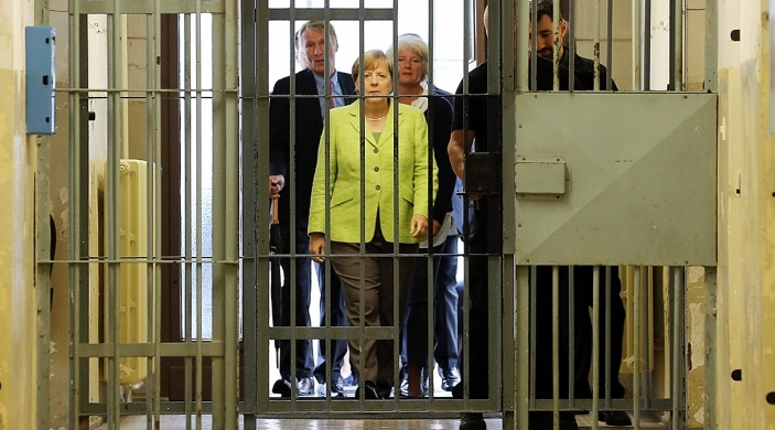 Kommt Merkel vor Gericht?
