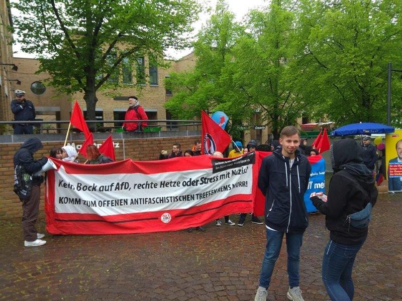[Bild: AfD-Infostand-Fellbach-4.5.191.jpg]