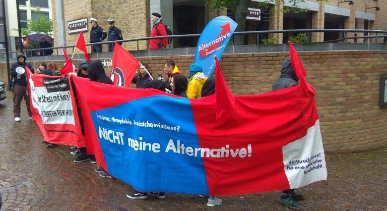 [Bild: AfD-Infostand-Fellbach-4.5.192.jpeg]
