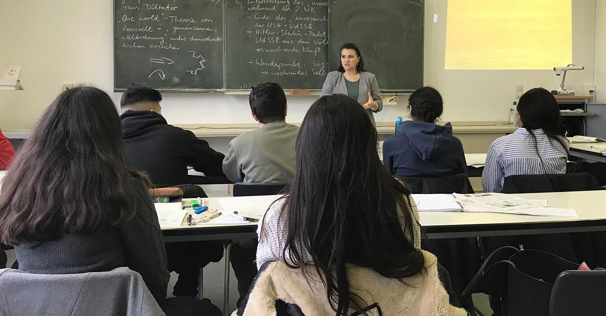 PI-NEWS sammelt Erfahrungsberichte von Lehrerinnen an deutschen Schulen