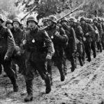 Nach monatelanger diplomatischer Krise rückt die deutsche Wehrmacht am 1. September 1939 in Polen ein.