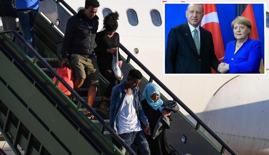 """Flugzeug bringt 254 """"Perspektivlose"""" aus Türkei nach Deutschland"""