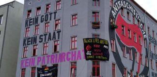 Das Antifa-Haus in Berlin-Friedrichshain an der Ecke Scharnweberstraße / Colbestraße.