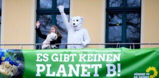 """Um Wirtschaft, Verkehr, Gebäude und Energiegewinnung """"klimaneutral"""" zu machen, müssten zwischen 2015 und 2050 geschätzte 2150 Milliarden Euro in Deutschland aufgewendet werden."""