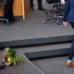 """Was wäre eigentlich gewesen, wenn Kemmerich damals den Blumenstrauß von Henning-Wellsow sofort aufgehoben und der SED-Frau mit den Worten """"Von Ihnen will ich auch gar keine Blumen"""" auf ihren Abgeordnetenplatz geschmissen hätte?"""