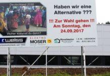 Plakatwand vor einem Firmenareal in Egesheim.