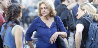 Macht aus ihrer Sympathie für den Linksextremismus keinen Hehl: Die Berliner Grünen-Politikerin Canan Bayram auf einer Demo gegen die Abschaltung der zu Gewalt gegen Andersdenkende aufrufende Internetseite «linksunten.indymedia».
