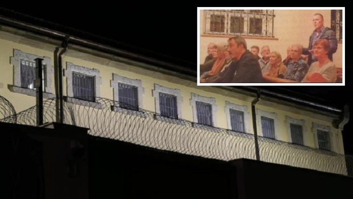 Ihre Entrüstung über den nächtlichen Lärm äußerten viele aufgebrachte Bürger beim Runden Tisch in der Abschiebehaftanstalt.