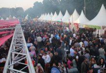 """Nacht für Nacht fallen beim """"Festi Ramazan"""" bis zu 19.000 Muslime ein."""