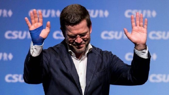 Plagiator Karl-Theodor zu Guttenberg als Wahlkampfredner in seiner Heimat Oberfranken.
