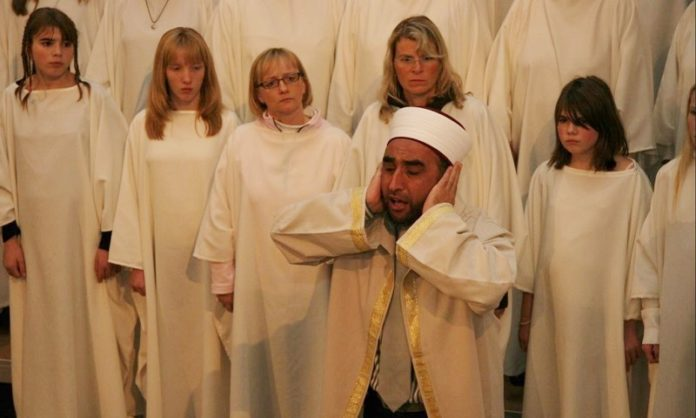 Imam während der Jenkins-Messe.