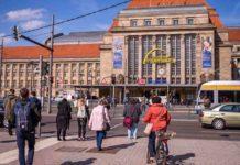 Fußgängerübergang vor dem Leipziger Hauptbahnhof