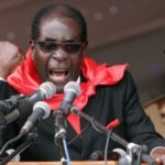 Robert Mugabe (93), Massenmörder und Präsident von Simbabwe.
