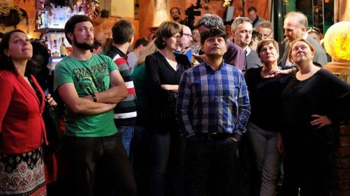 Lange Gesichter bei den niedersächsischen Grünen: Durch den Einzug der AfD in den Landtag fehlten Rot-Grün zwei Sitze zur Fortsetzung ihrer bisherigen Regierungskoalition.