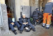 Geopfert für einen Gescheiterten Staat: Verletzte Polizisten am Rande der G20-Krawalle in Hamburg.