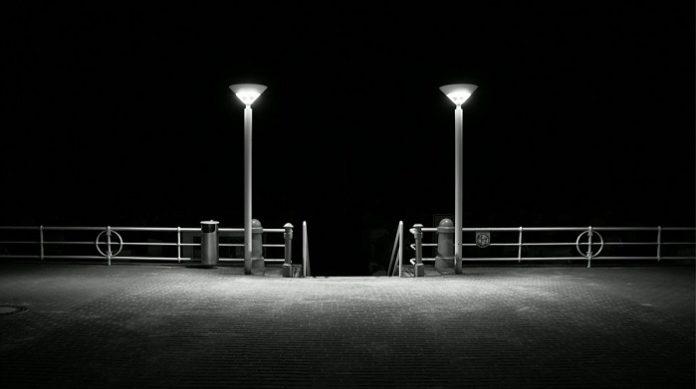 Promenade in Travemünde bei Nacht.
