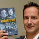 """Thorsten Schultes Bestseller """"Kontrollverlust"""" ist jetzt wieder beim Internet-Versandhändler buecher.de zu haben."""